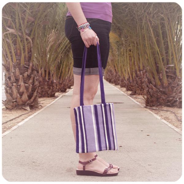 purple crochet bag / bolso morado de ganchillo