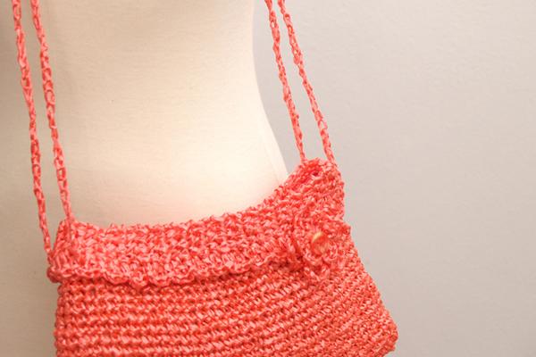 crochet coral bag / bolso de ganchillo coral