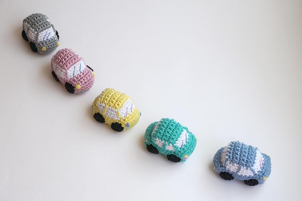 amigurumi coches colores pastel