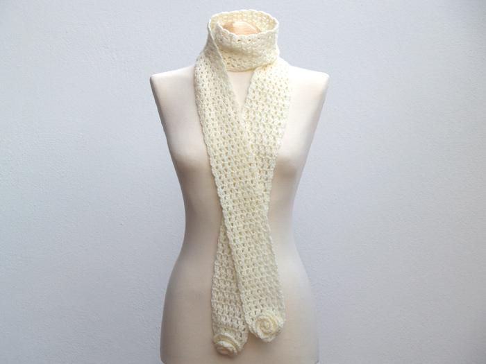bufanda blanca ganchillo