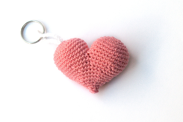 corazon ganchillo crochet heart amigurumi