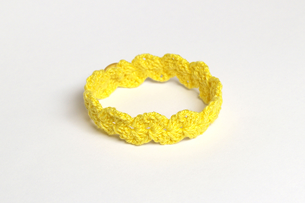 pulsera de ganchillo amarilla yellow crochet bracelet